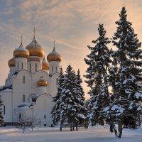 На закате зимнего дня :: Николай Белавин