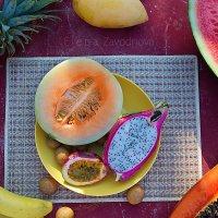 Тропический фруктовы натюрморт) :: Елена Заводнова