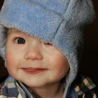Улыбающийся мальчишка со сладким язычком :: Дмитрий Козлов