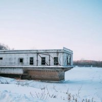 Одинокое здание :: Ольга Елина