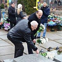 Чернівці вшанування пам'яті героїв Небесної сотні та воїнів АТО :: Степан Карачко