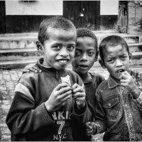 Мадагаскар и дети!!! :: Александр Вивчарик