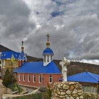 Ставропигиальный мужской монастырь Феодосия Величковского :: Zinaida Belaniuk