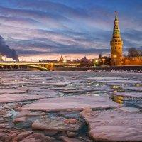 Зимний ледоход :: Юлия Батурина
