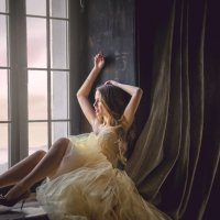 У окна :: Елена Княжева