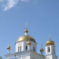 Церковь на горке в Нижнекамске :: Сергей Тагиров