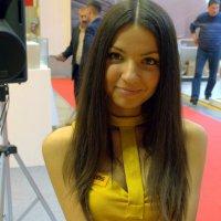 весенний цветочек или девушка в желтом :: Олег Лукьянов