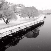 Зима на набережной :: Владислав Филипенко