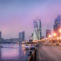 Москва-Сити в сиреневых тучах :: Юлия Батурина