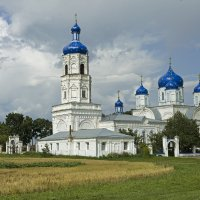 Храм в Зимарово :: Лена Рихтер