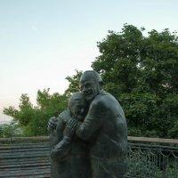 Памятник Вечной любви :: Slava Smile