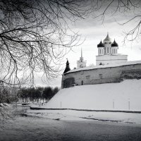 Река Пскова. Троицкий собор. :: Fededuard Винтанюк