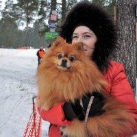 Хорошо, у хозяйки на руках! :: Николай Масляев
