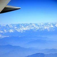 Пролетая над Гималаями... :: Дмитрий Боргер