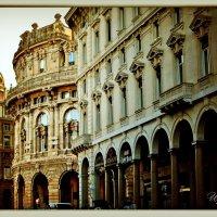 Прогуливаясь по улочкам Генуи... :: Ирина Falcone