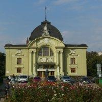 Драмтеатр  в  Черновцах :: Андрей  Васильевич Коляскин