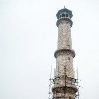 Мавзолей-мечеть Тадж-Махал, один из 4-х минаретов :: Виктор Куприянов