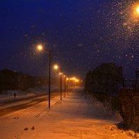 Пустынная улица... Снегопад... :: Витас Бенета