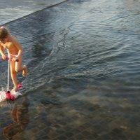 на самокате по воде :: Александр Матюхин