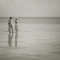 Беседа у моря :: Cергей Дмитриев