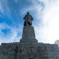 монумент :: yameug _