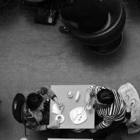 В кафе :: Karina Sholokhova