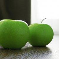 Яблоки на полу :: Сергей Добрыднев