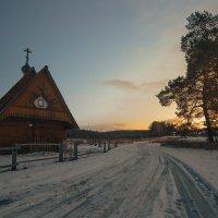 Сельская церквушка :: Людмила Лебедева