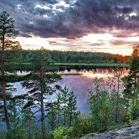 Закат на реке Чирка-Кемь :: Валерий Толмачев