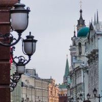 Маленькие улицы, большого города... :: Елена Бразис