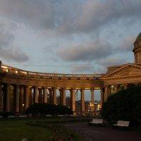 Питер, Казанский собор, 5 утра... :: Жанна Рафикова
