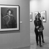 На выставке :: Irina Zubkova