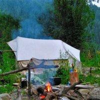 У палатки :: Сергей Чиняев