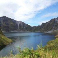 кратерное озеро вулкана Пинатубо :: Надежда Шемякина