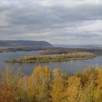 Осень на Волге :: Юрий Колчин