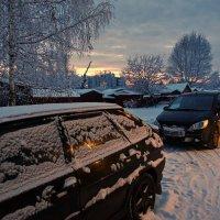Вечер во дворе :: Валерий Талашов