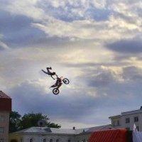 Акробатический этюд :: Виктор Куприянов
