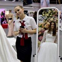 Невеста примеряет платье :: Юлия Качимская