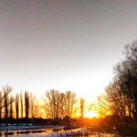 Заход солнца :: Александра Иваненко