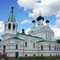 Свято-Троицкая церковь возведена по проекту арх. А.И. Кракау на деньги барона А.Л. Штиглица :: Елена Смолова