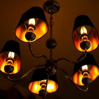 Интересное освещение в кафе :: Евгений Карелин