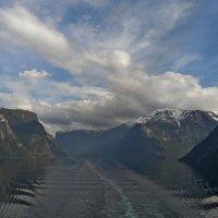 Норвежский пейзаж :: Юрий Цыплятников