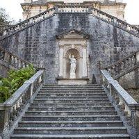 Лестница к храму :: Карен Мкртчян