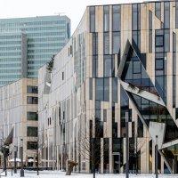 Торговый центр в марте :: Witalij Loewin