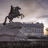 Почти классический ракурс :: Valeriy Piterskiy