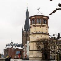 Набережная старого города после снегопада :: Witalij Loewin