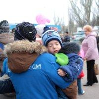 У мамы на руках, так нежно. :: Сергей Касимов