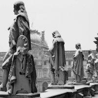 На крышах Лувра :: Александр Глазков