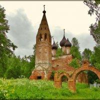 церковь Святой Троицы в российской глубинке :: Святец Вячеслав