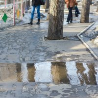 Весенние аллеи парка :: юрий Амосов